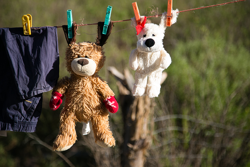 laundry-line-with-teddy-bears